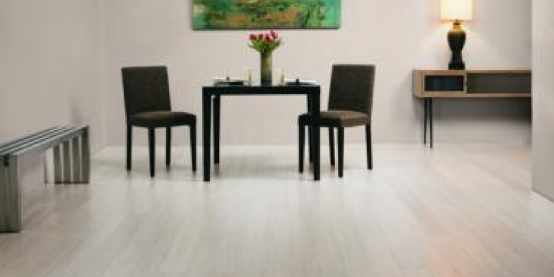 Plyboo Stiletto Bamboo Flooring in Brushed Pearl