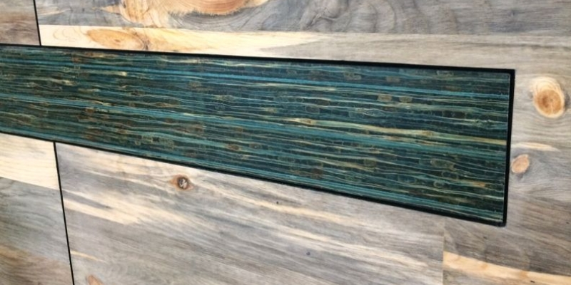 TorZo Blue Stain Pine with TorZo Tiikeri in Turquoise
