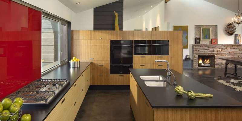 Plyboo Cabinetry at Cippola Residence in Phoenix, AZ in Amber Edge Grain Plywood