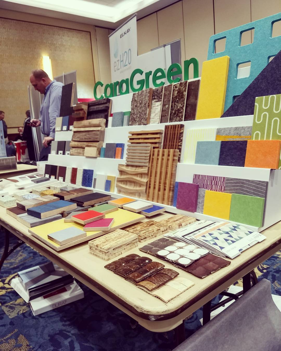 caragreen-green-show