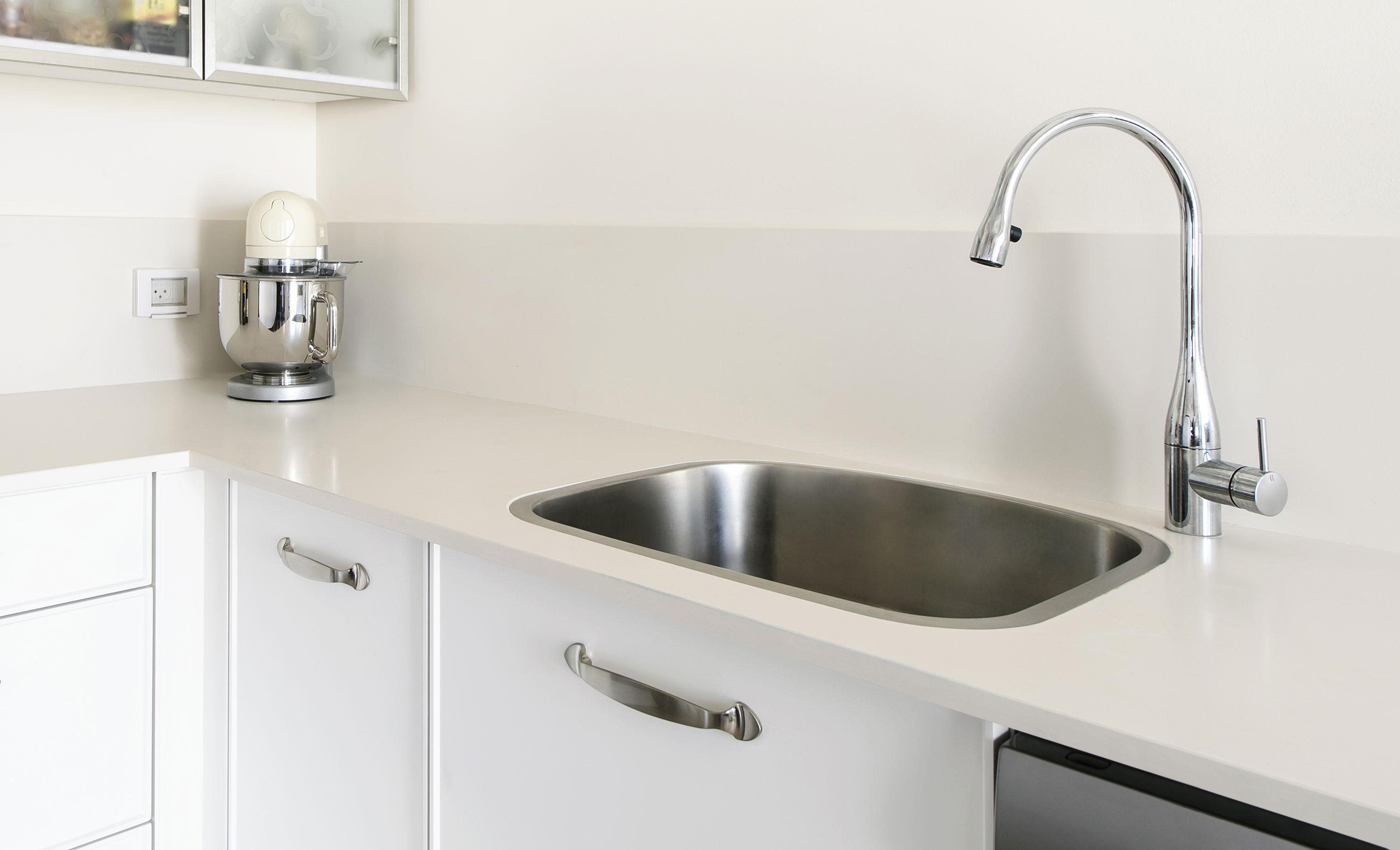 Lapitec Sintered Stone Kitchen Countertop in Bianco Crema (White)